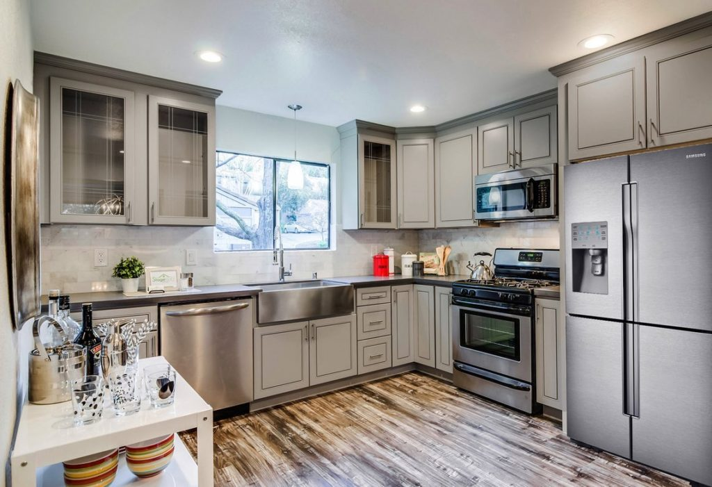 GREIGE MAPLE | KitchenSearch PA
